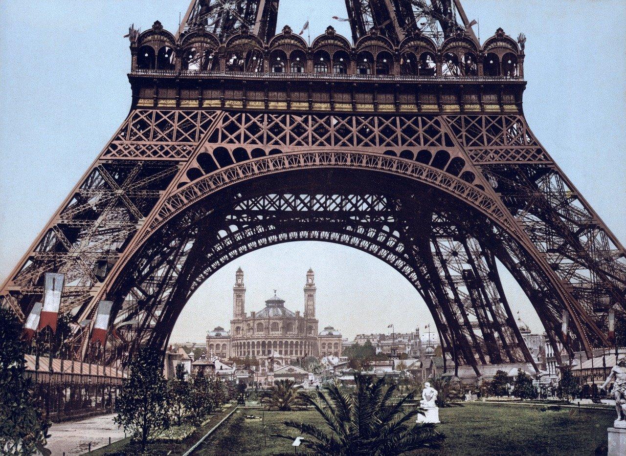 フランスは28年までにファーウェイを排除